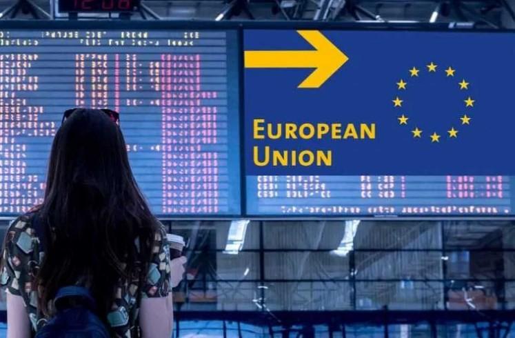 Правила для туристів з України на кордоні