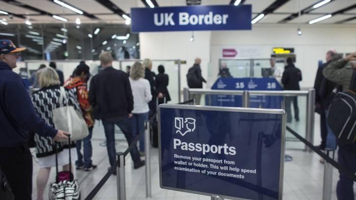Британія змінює імміграційну політику. Що це змінить для українців