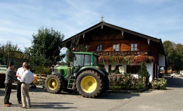 На фермі в Німеччині спалах коронавірусу: там працюють українці