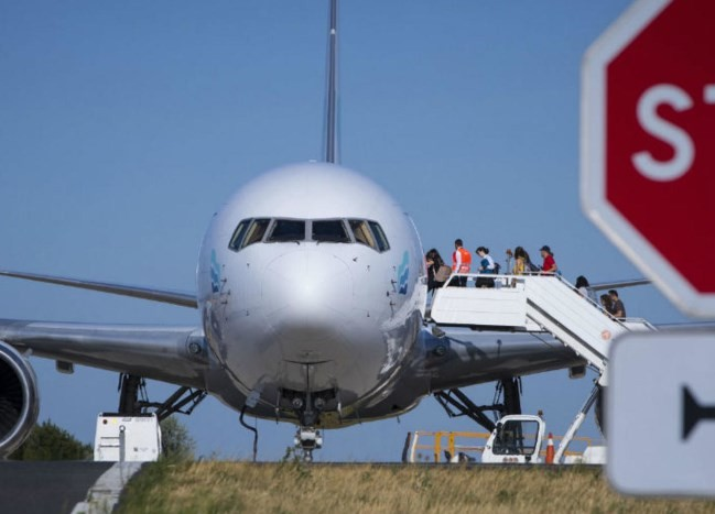 В аеропорту Львова застрягли іноземці, які приїхали до родичів, прикордонники не пускають