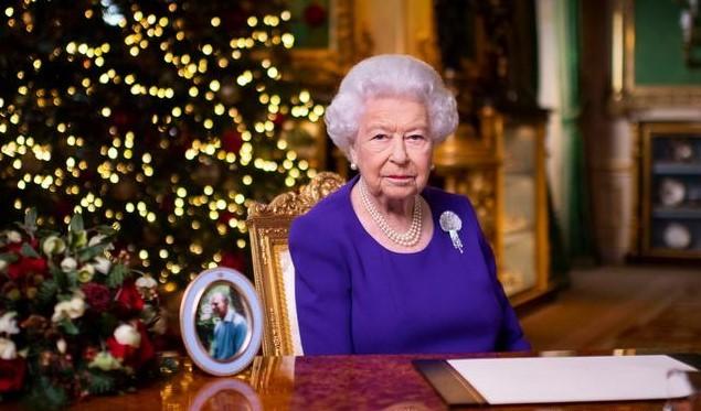 Королеві Великобританії Єлизаветі II зробили щеплення від коронавірусу