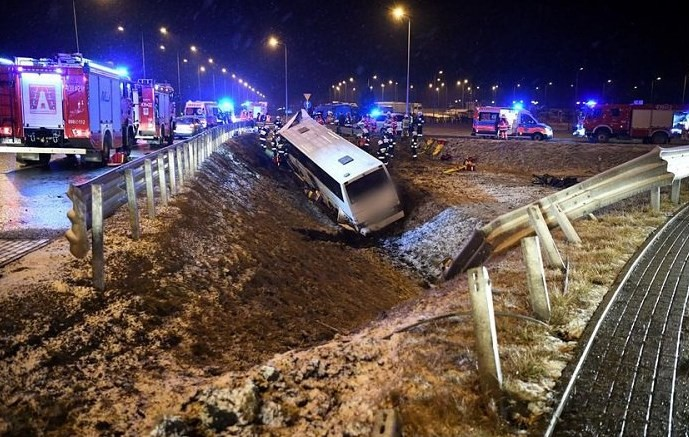У Польщі знову потрапив в аварію український автобус, є загиблий