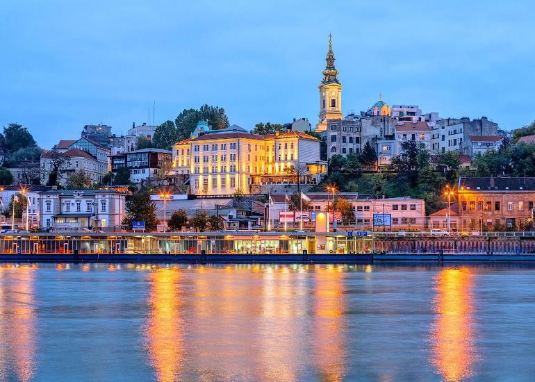 Сербія відкрилася для іноземців без тестів на COVID-19